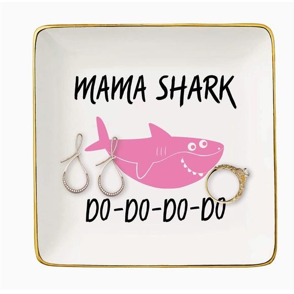 MaMa Shark Gold Jewelry Key Ring Dish Trin…